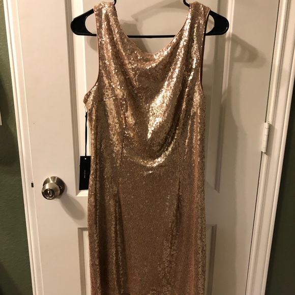 Lulu's Dresses & Skirts - Rose gold Lulus dress